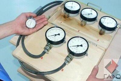 Прибор для проверки пневмопривода тормозов М 100 (МЕТА)
